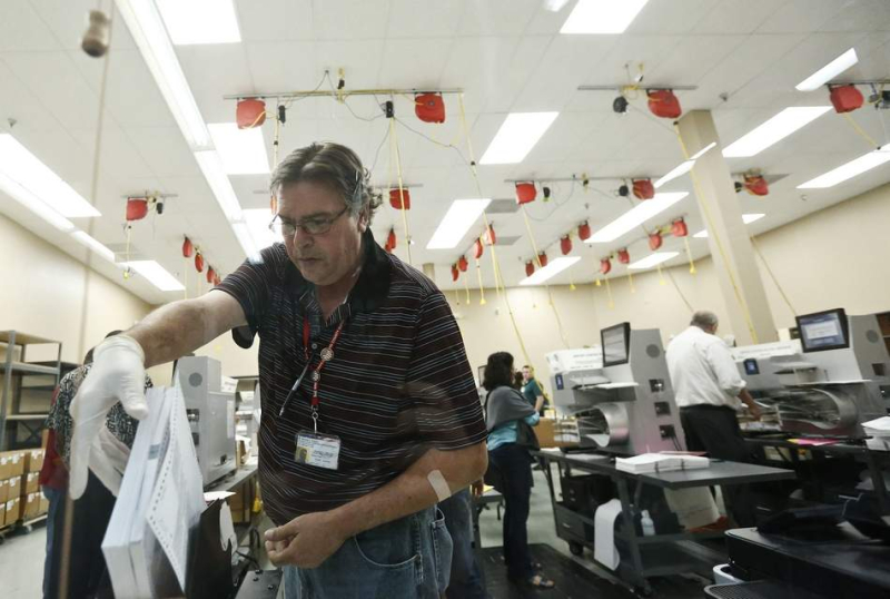Vote recount in Broward County (AP Photo.Brynn Anderson).