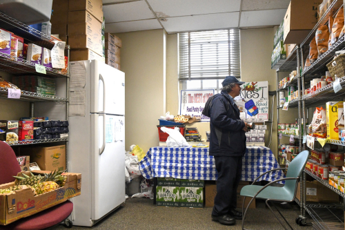 Food Pantry (Desiree Rios. New York Times).